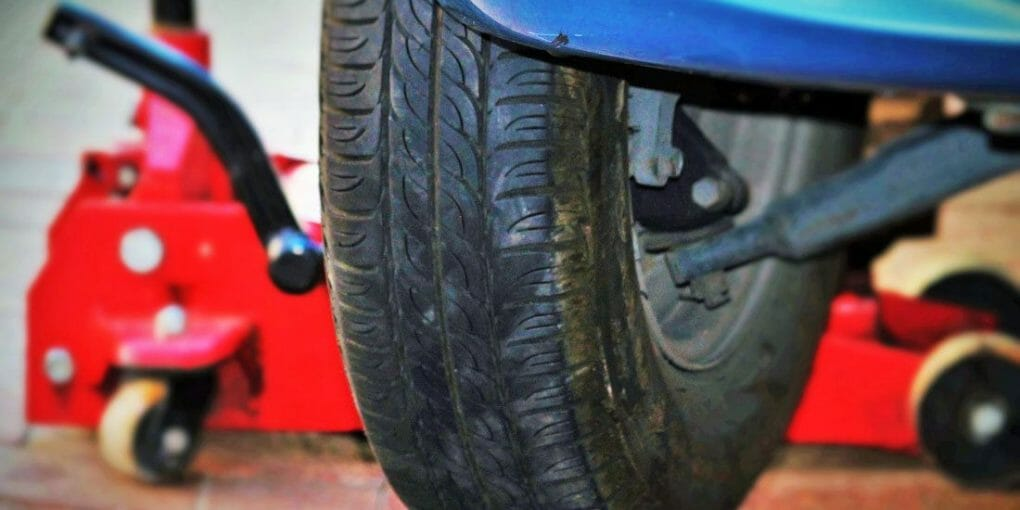 How To Rotate Tires With One Jack